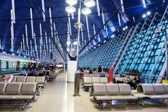 attente de passagers le départ dans l'aéroport de Pudong Photo libre de droits