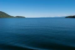 Attente du ferry sur l'île de Denman Photo stock