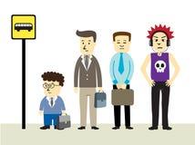 Attente à l'arrêt de bus Photo stock