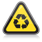 Attenzione gialla che ricicla segno Fotografia Stock Libera da Diritti
