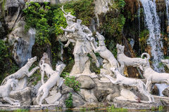 Atteone雕塑在卡塞尔塔王宫 免版税库存图片