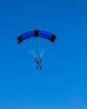 Atterraggio del paracadutista sulla spiaggia del ratto di Zlatni Fotografia Stock