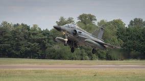 Atterraggio di aerei dell'aereo da caccia sulla pista Fotografia Stock Libera da Diritti