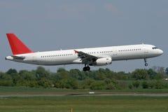 Atterraggio di aeroplano del jet Fotografie Stock Libere da Diritti