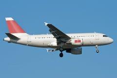 Atterraggio di aeroplano del jet Fotografia Stock