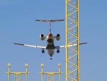 Atterraggio di velivoli ed indicatori luminosi di atterraggio. Immagini Stock Libere da Diritti