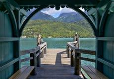 Atterrando sulle rive del lago Annecy immagine stock libera da diritti