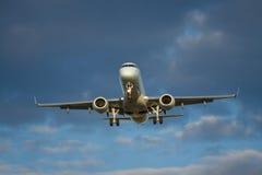 Atterrissage d'aéronefs Photographie stock