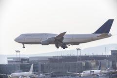 Atterrissage d'aéroport d'avion Image stock