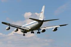 Atterrissage d'Aeroflot-Don Ilyushin IL-86 à l'aéroport international de Sheremetyevo Photos stock