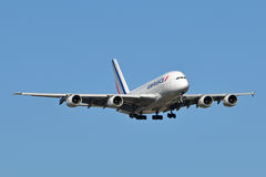 Atterrissage d'Air France Airbus A380 Photo stock