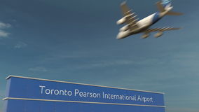 Atterrissage d'avion commercial au rendu de Toronto Pearson International Airport 3D Images libres de droits