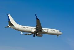 Atterrissage d'avion de ligne Images libres de droits