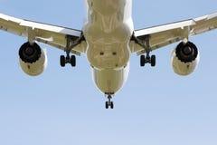 Atterrissage d'avion de nouveau modèle Photo stock