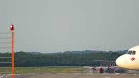 Atterrissage d'avion de turbopropulseur clips vidéos