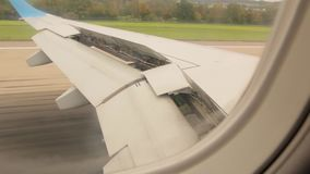 Atterrissage d'avion par la fenêtre clips vidéos