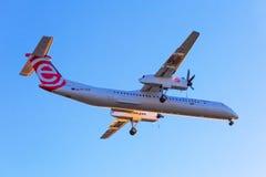 Atterrissage d'avions d'Eurolot sur l'aéroport Image stock