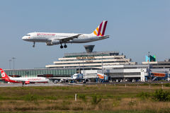 Atterrissage d'avions de Germanwings à l'aéroport de Cologne Image libre de droits