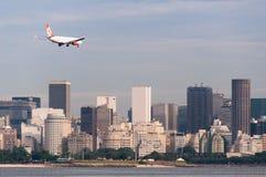 Atterrissage d'avions en Rio de Janeiro Photo stock