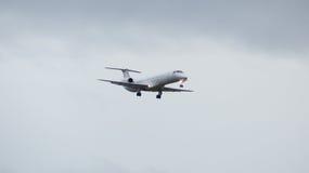Atterrissage de approche plat par le mauvais temps Photos libres de droits