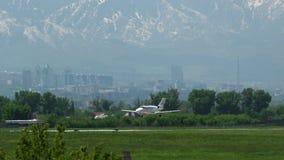 Atterrissage de Cessna 525B CitationJet CJ3 de jet privé clips vidéos