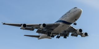 Atterrissage de débarquement d'EL AL Boeing 747 Photo stock