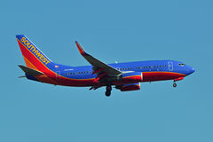 Atterrissage de Southwest Airlines Boeing 737 Photos stock