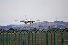 Atterrissage de vol de Ryanair Images stock