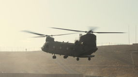 Atterrissage du Chinook ch 47 Photo stock
