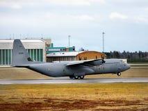 Atterrissage norvégien royal de l'Armée de l'Air, aéroport d'Oslo Image stock