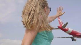 Atterrissage plat au-dessus de la plage banque de vidéos