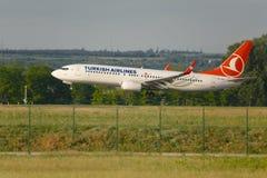 Atterrissage turc d'avion de ligne Image stock