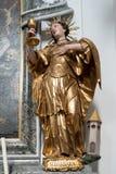ATTERSEE, SALZKAMMERGUT/AUSTRIA - 9月18日:圣Ba雕象  图库摄影