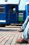attesa del treno Immagini Stock Libere da Diritti