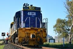 Attesa del treno Fotografia Stock Libera da Diritti