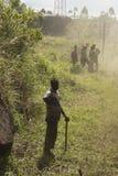 Attesa ferroviaria dei lavoratori Ella, Sri Lanka Fotografie Stock Libere da Diritti