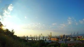 Attività del porto di commercio del mare stock footage
