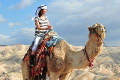 Attività di giro e del deserto del cammello nel deserto Israele di Judean Fotografia Stock Libera da Diritti
