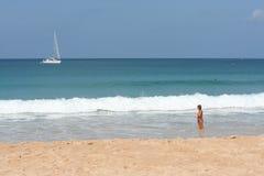 Attività turistica sulla spiaggia tropicale dell'isola di Phuket Fotografia Stock Libera da Diritti