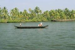 Attività vita quotidiana della barca del paese degli stagni Fotografia Stock
