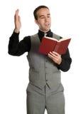 Attore che legge il suo scritto Immagine Stock