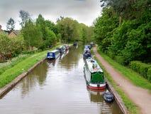 Attracco Narrowboats fotografia stock libera da diritti