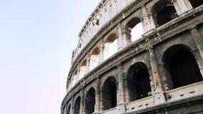 Attraction italienne en gros plan Colosseum ? Rome Colis? antique d'amphith??tre en capitale de l'Italie Un de la plupart de popu banque de vidéos