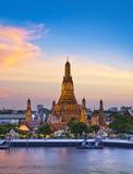 Attractions touristiques de Wat Arun, de point de repère et de no. 1 en Thaïlande Images libres de droits
