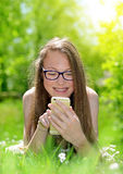 Attractive caucasian girl with a smartphone Royalty Free Stock Photos