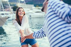 Attractive couple exploring on their summer vacation Royalty Free Stock Photography