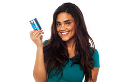 Attractive model displaying her credit card Stock Photos