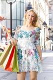 Attractive shopping woman Royalty Free Stock Photos