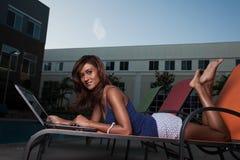 Attractive twenties brunette Indian businesswoman Royalty Free Stock Photos