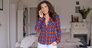 Attractive woman chatting on her mobile Royalty Free Stock Photos